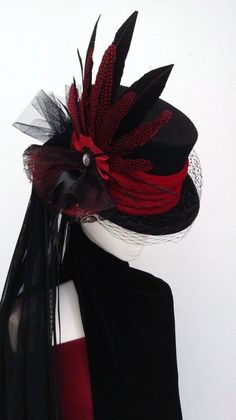 Victorian Raven black & red wedding hat - Steampunk -Gothic Victorian Raven black & red wedding hat - Steampunk - Victorian Gothic steampunk wedding top hat by Blackpin Viktorianischer Steampunk, Steampunk Dress, Steampunk Fashion, Steampunk Clothing, Steampunk Necklace, Victorian Hats, Victorian Costume, Victorian Fashion, Neo Victorian