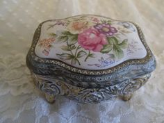 Japanese Rose Ring Box Gold Tone Metal by SweetDreamsandRoses, $21.95