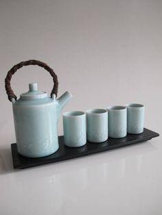 Celadon Tea Pot (4 Cups & Tray) | Chris Keenan