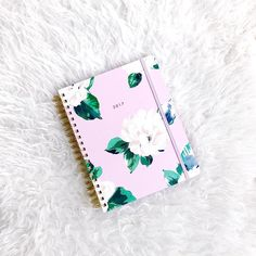 Here at dental soiree, we're obsessed with all things stationary! Today on the blog we're talking about our favorite planners to keep our busy schedules organized 🌟 Click the link in our bio! #DentalSoiree #PlannerFavorites