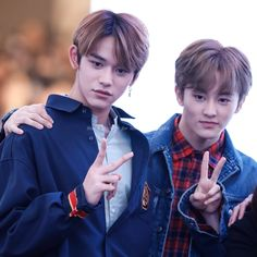 Mark finally has a same age friend when Lucas joined NCT Lucas Nct, Law Of The Jungle, Sm Rookies, Fandom, Mark Nct, Nct Taeyong, Wattpad, Winwin, Jaehyun