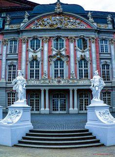 Trier, Kurfürstliches Palais, Germany