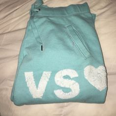 Victoria secret sweat pants Great condition. No rips or stains. Can fit a small. Taking offers!! Victoria's Secret Pants Track Pants & Joggers