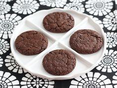 Chocolate-nutella-cookies. Ingredients: flour, baking powder, salt, cocoa, butter, sugar, dark brown sugar, vanilla, hazelnut extract, Nutella, milk
