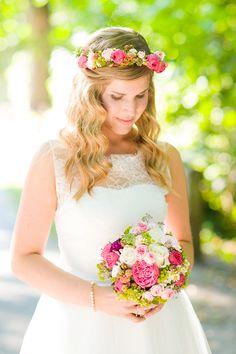 #brautstrauß #bouquet Verrückte pink-grüne Spätsommerhochzeit auf der Mittelburg | Hochzeitsblog - The Little Wedding Corner