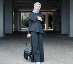 10 Inspirasi Gaya Kondangan, Cocok Buat Para Hijaber Hijab Style, Casual Hijab Outfit, Hijab Chic, Casual Outfits, Abaya Fashion, Modest Fashion, Fashion Outfits, Womens Fashion, Kebaya Hijab