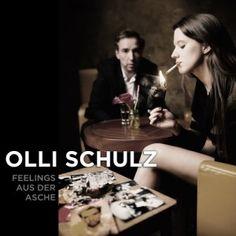 """Olli Schulz ist zurück und zaubert """"Feelings aus der Asche"""". Wir freuen uns und finden das gesamte Album legendär!"""