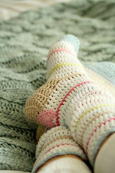 2358.- Calcetines de crochet. | Labores en Red