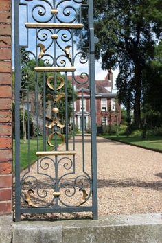 Fenton House, Hampstead, London Fenton House, Hampstead London, Sunken Garden, North London, National Trust, Detached House, 17th Century, Outdoor Structures