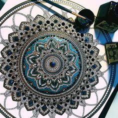 bellahenna: zoning out to this beautiful mandala by sweet @murderandrose