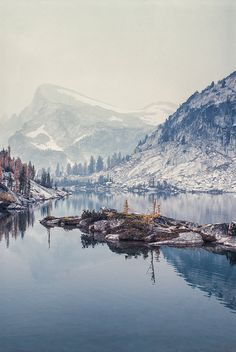 Enchantment Lakes Basin, Alpine Lakes Wilderness, Washington. The Enchantments is regarded as one of the most spectacular locations in the Cascade Range. by jaysonmc