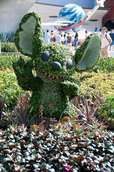 Disney Topiaries by Dave-T, via Flickr
