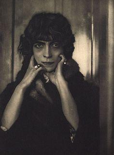 La Marchesa Casati - A. De Meyer photograph, 1919