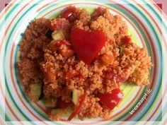 Rezept für einen einfachen Couscous Salat mit Tomaten, Zucchini, Möhren und Paprika, der sich für Baby und Kleinkind eignet