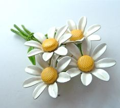 vintage daisy brooch, I wish I could wear these without looking like an old lady.