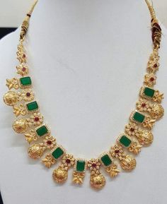 Jewelry Emerald Jewelry, Beaded Jewelry, Jewelry Necklaces, Gold Jewellery Design, Designer Jewellery, Jewellery Shops, Jewelry Model, Jewelry Sets, Gold Jewelry Simple