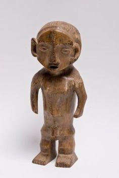 R.D.C Ngbaka/Banza. Fétiche masculin, corps puissamment sculpté décoré