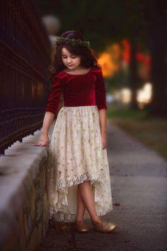Red Christmas Dress, Girls Christmas Dresses, Holiday Party Dresses, Little Girl Dresses, Girls Dresses, Velvet Dress Designs, Kids Dress Patterns, Red Velvet Dress, Light Dress