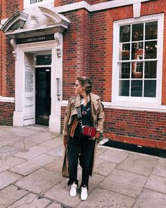 Margot wearing our Marc Jacobs Fall Snapshot Bag Street Look, Street Style, Marc Jacobs Snapshot Bag, Marc Jacobs Logo, Cloth Bags, Fashion Show, Classy, Clothes For Women, Coat