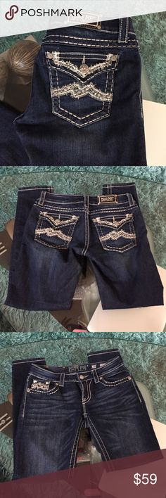 Miss Me skinny jeans Like new worn a couple times Miss Me skinny jeans size 28 inseam 28 Miss Me Jeans Skinny