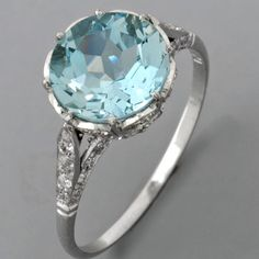 Aquamarine Engagement Ring i want a blue ring Jewelry Box, Jewelry Accessories, Jewellery, Aquamarine Jewelry, Aquamarine Blue, Antique Jewelry, Vintage Jewelry, Vintage Rings, Vintage Style