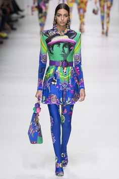 Versace Spring 2018 Ready-to-Wear Collection Photos - Vogue