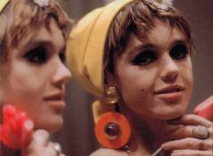Edie Sedgwick, American model, actress and muse to Andy Warhol, was a regular at The Factory and a fashion icon. Sedgwick became kno. Edie Sedgwick, 1960s Fashion, Vogue Magazine, Style Icons, 60s Style, Pixie Hairstyles, Warhol, Short Film, Superstar