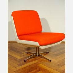 70 Vario Pure Easy Chair Orange, 365€, now featured on Fab.