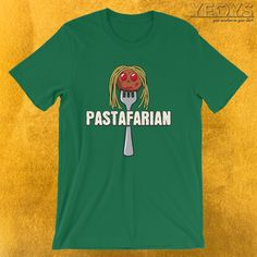 Funny I Love Italian Pasta gift with spaghetti meatball head artwork that reads: 'Pastafarian' for Italian Restaurant, Chef, Cook, Kitchen & Puns fans. A Italy And Traditional Food item. #italy #pasta (♥_♥)
