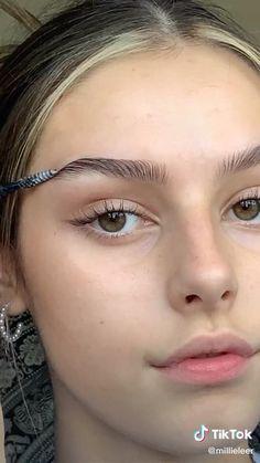Eyebrow Makeup Tips, Dewy Makeup, Makeup Eye Looks, Eyeshadow Makeup, Makeup Eyebrows, Bushy Eyebrows, Natural Eyebrows, Bigger Eyes Makeup, Makeup For Big Eyes