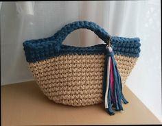 再販  痛くない  麻ひもバッグ  ズパゲッティ かごバッグ Crochet Rope, Knit Crochet, Diy And Crafts, Arts And Crafts, T Shirt Yarn, Knitted Bags, Yarn Needle, Straw Bag, Wicker