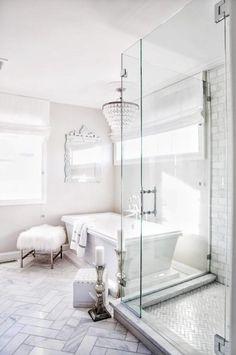 Luxury White Marble Bathroom Interior Design And Ideas Beautiful Bathrooms, Modern Bathroom, Small Bathroom, Bathroom Bin, Bathroom Mirrors, Minimalist Bathroom, Bathroom Chandelier, White Marble Bathrooms, Condo Bathroom
