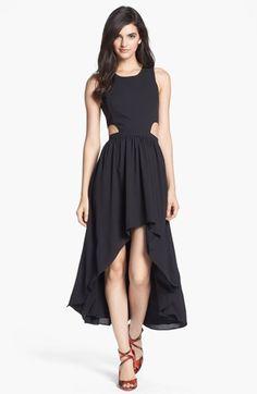 este vestido es ideal no solo para salir de fiesta tan bien lo puedes usar en el trabajo y te veras muy elegante