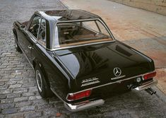 1967 Mercedes-Benz with tan interior and a matching black hardtop Automobile, Kitten Heel Boots, Black Friday 2019, Classic Mercedes, Best Muscle Cars, Old Classic Cars, Mercedes Benz Cars, Old Cars, Vintage Cars