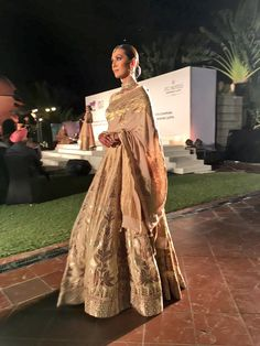 Anita Dongre #weavesofbanaras 2016 Indian Fashion