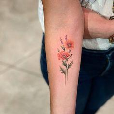 Poppy Tattoo On Arm Poppies Tattoo Small Flower Tattoos Beautiful Flower Tattoos, Small Flower Tattoos, Flower Tattoo Designs, Small Tattoos, Poppy Flower Tattoos, Form Tattoo, Shape Tattoo, Poppy Tattoo Small, Tatto Floral