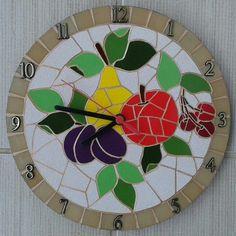 Mosaico em azulejos e pastilhas de vidro Mosaic Crafts, Mosaic Projects, Mosaic Art, Mosaic Glass, Mosaic Tiles, Mosaic Designs, Mosaic Patterns, Stained Glass Art, Ceramic Painting