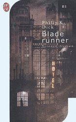 Rick Deckard est le meilleur élément de la brigade spéciale des blade runners, chargée d'exterminer les androïdes qui s'infiltrent sur Terre. Après l'arrivée sur Terre de huit Nexus 6 qui se sont enfuis de Mars après avoir tué leurs geôliers, Deckard est chargé de supprimer ces robots d'apparence humaine.