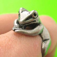 Realistic Frog Animal Pet Wrap Around Hug Ring