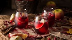 Sparkling Cranberry Breeze Mocktail | What to Expect