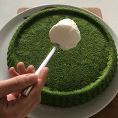 Her zaman yaptığım ve hiç bir zaman beni. Yokkk like this flavor - I have a spinach cake recipe that I always make and never mislead me? both practical and delicious? Chocolate Pastry, Chocolate Desserts, Chocolate Cake, Cake Recipes, Snack Recipes, Cooking Recipes, Spinach Cake, Delicious Desserts, Yummy Food
