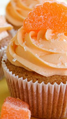 Orange Slice Cupcakes | The Baking Robot . Robot Cupcakes, Fruit Cupcakes, Baking Cupcakes, Cupcake Cookies, Cupcake Recipes, Alcoholic Desserts, Fun Desserts, Delicious Desserts, Yummy Food
