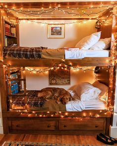 Love this dreamy bunk bed setup 🤩🤩🤩. Everyone stay safe tonight (via @kjp)! Click the image to try our free home design app. (Keywords: kids room decor, kids room ideas, kids room designs, dream rooms, house design, home decor ideas, kids room rugs, kids room furniture, positive vibes, positive thoughts, boho kids room, bunk beds, childrens room, baby room ideas) Bed Goals, Room Goals, Cozy Cabin, Cozy House, Bohemian Room, Cabin In The Woods, Deco Boheme, Bedroom Styles, Bedroom Ideas