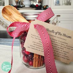 Euna Mae's Heirloom Cooking and Kitchenware: Simmering Stovetop Potpourri and Printable Tag