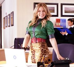 """Beauty and the Briefcase"" (Hilary Duff) I love this outfit! ♥ ;-)"