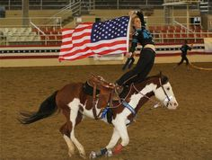 Cowgirl Chicks @ Equestfest this is Sonic Max, the American Paint Horse I… Cute Horses, Beautiful Horses, Trick Riding, American Paint Horse, Horse Riding Clothes, Rodeo Life, Western Riding, Horse Pictures, Horse Care