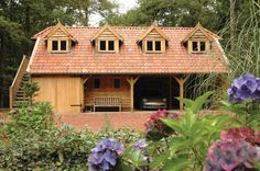 4 bay garage with accomodation above Garage Office, Garage Loft, Garage House, Carport Patio, Carport Ideas, Oak Framed Buildings, Timber Buildings, Wooden Cladding Exterior, Garage With Room Above