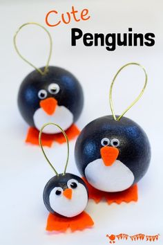Cute Penguins! Have fun with this adorable round penguin craft. They make fabulous penguin ornaments for Christmas and are fun for Winter Small World play too. More