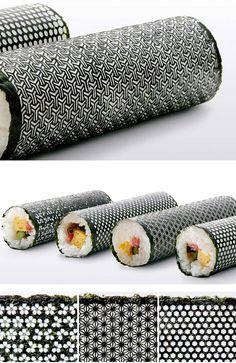 Folhas de alga para sushi com um toque de design laser cut nori seaweed sheets for sushi rolls. (not sure if I should file this under graphic design or food)? Food Design, Sushi Design, Design Design, Sushi Rolls, Bento, Onigirazu, Nori Seaweed, Sushi Recipes, Sashimi