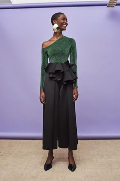 Discover the full Solace London collection of trousers and skirts with brand exclusives online now. Shop jeans, culottes, wide leg trousers, midi skirts and maxi skirts with UK next day or express global shipping. Fashion 2020, Urban Fashion, High Fashion, Fashion Show, Fashion Design, Fall Fashion Week, Fashion Stores, Fashion Online, Fashion Outfits